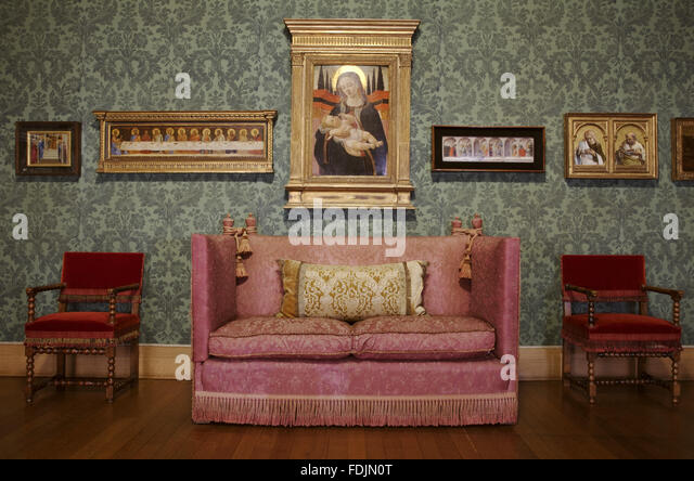 Knole sofa stock photos knole sofa stock images alamy for Stock sofas madrid