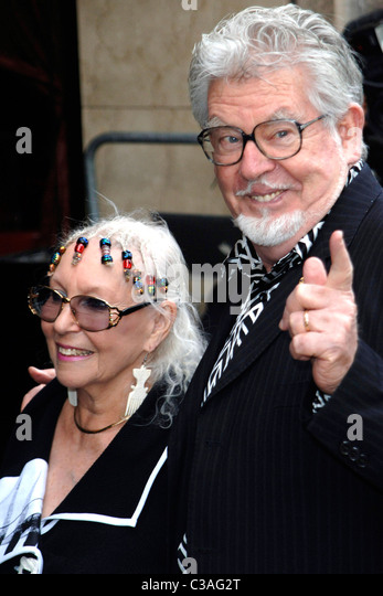 Rolf Harris and guest 2009 Ivor Novello Awards held at the Grosvenor House London, England - 21.05.09 Vince Maher/ - Stock Image