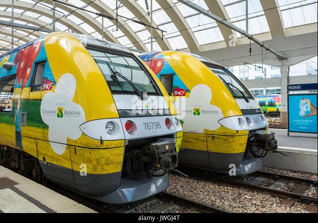 Reims, France, Train Station, TER Trains on Platform - Stock Image