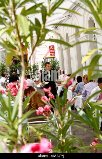 Aug 2008 - People sitting at the upmarket Ellas restaurant located at Judenplatz Vienna Austria - Stock Image