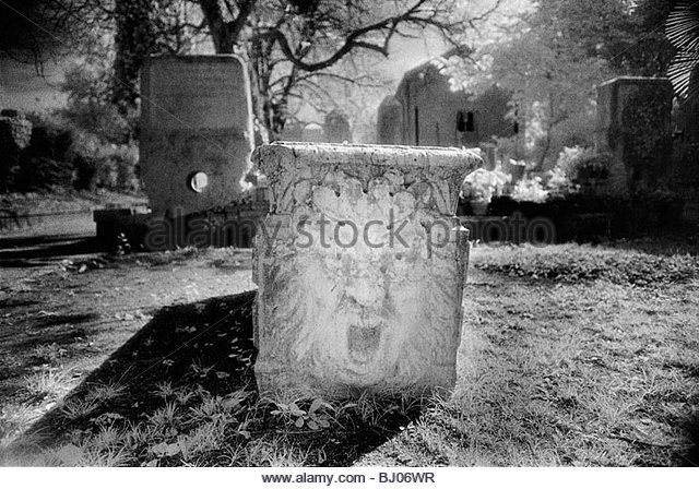 Tomb in the Jewish Cemetery on the Lido di Venezia, Venice, Italy - Stock-Bilder