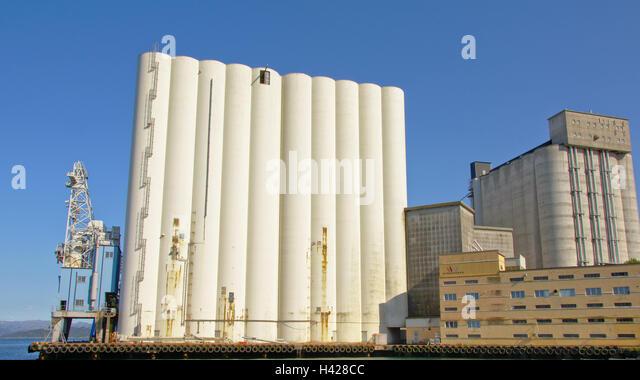 Gigantic grain silo's in Stavanger harbour - Stock Image