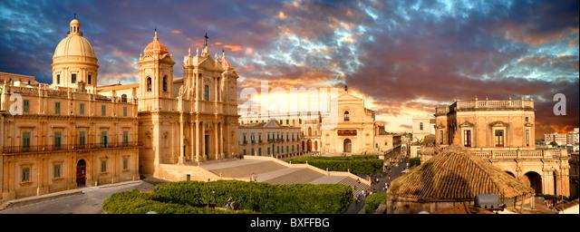 Restored Baroque Cathedral of San Nicolo - Noto, Sicily - Stock-Bilder