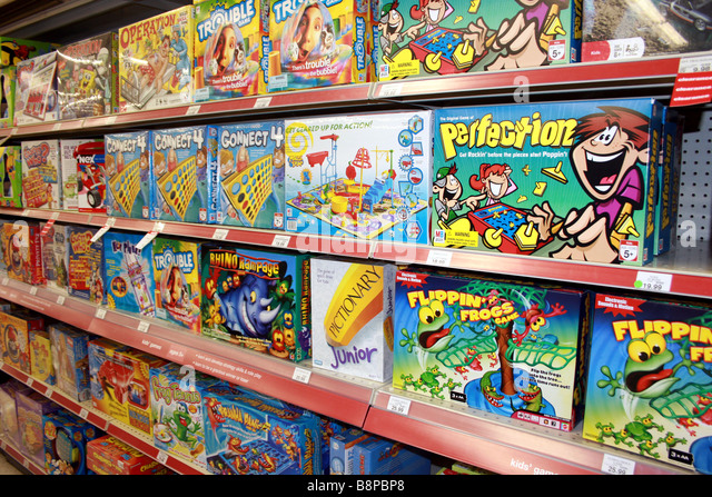 Board Games Toys R Us : Toys r us stock photos images alamy
