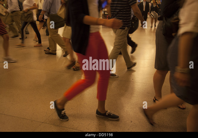 Commuters scurry to their trains in Grand Central Station during the evening rush hour, NYC. - Stock Image