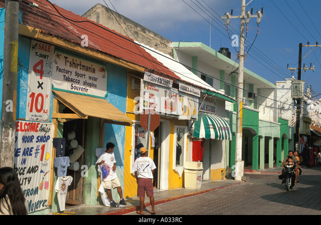 mexico beach isla mujeres stores shops day trip excursion near cancun yucatan - Stock Image