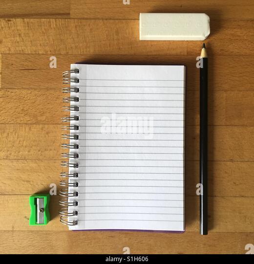 Stationary, blank pad, pencil - Stock-Bilder
