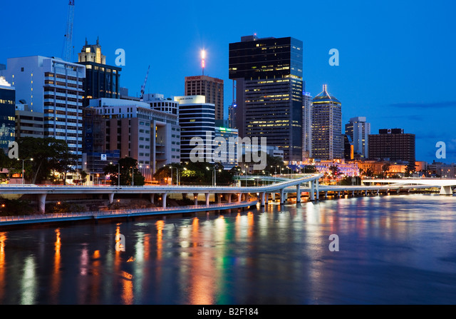 View along the Brisbane riverside to the central business district - Brisbane, Queensland, AUSTRALIA - Stock-Bilder
