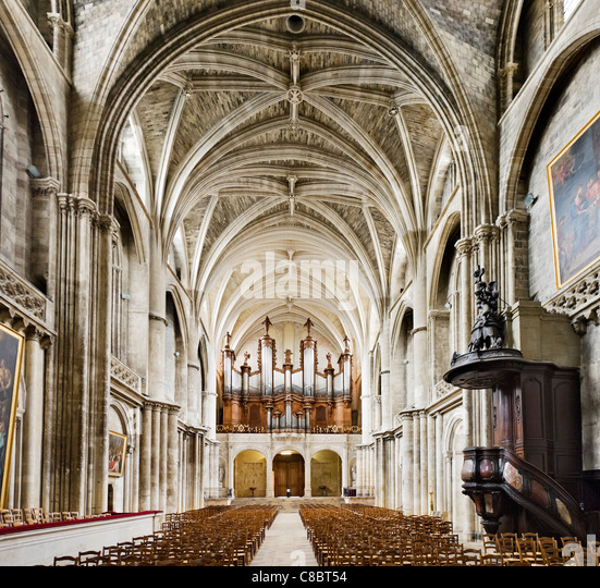 Interior of St Andre Cathedral, Bordeaux, Aquitaine, France - Stock Image