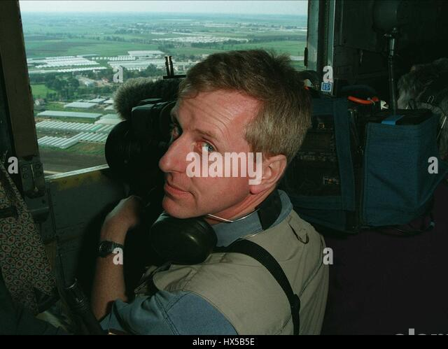 JOHN HUNT ITN CAMERAMAN FILMS FROM ISRAELI HELICOPTER 23 March 1995 - Stock Image