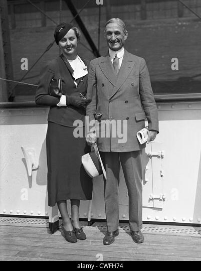 Miss Ellen Wilson McAdoo and her father, Senator William Gibbs McAdoo of California embark on the S.S. Manhattan, - Stock Image
