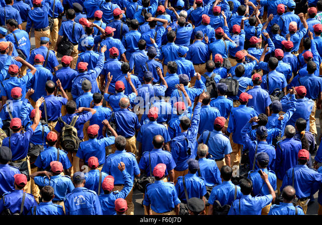 Dhaka, Bangladesh. 10th November, 2015. 'Bangladesh village police' activists shout slogans during a rally - Stock Image