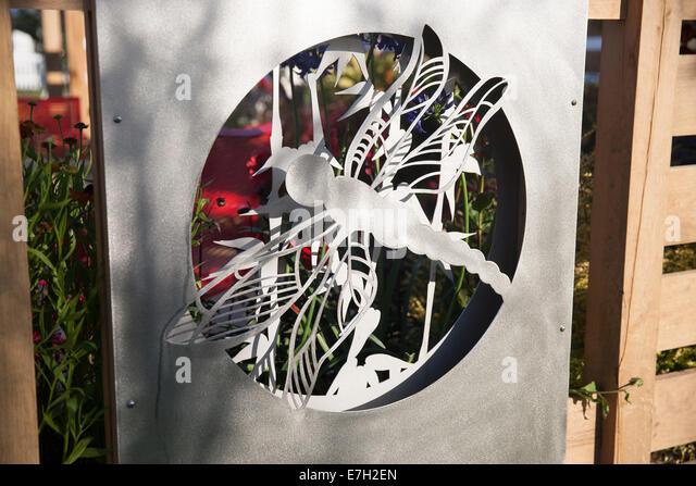 Oak sculpture stock photos oak sculpture stock images for Pip probert garden designer