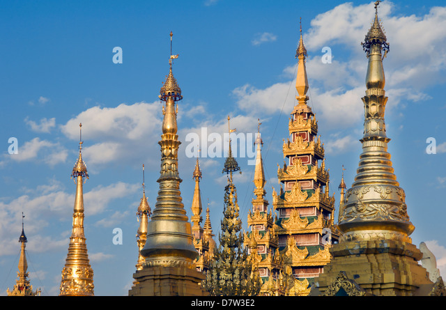 Northern terrace, Shwedagon Pagoda, Rangoon, (Yangon), Burma (Myanmar) - Stock-Bilder