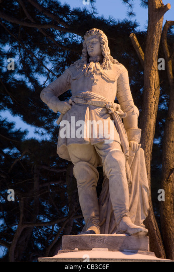 Vienna - baron statue for the Town hall in evening - Stock Image