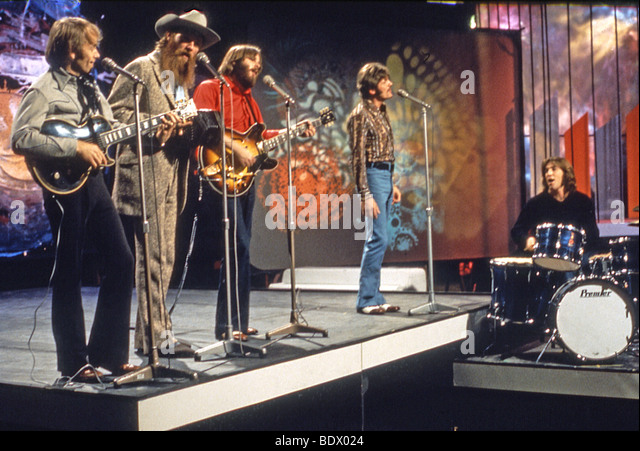 THE BEACH BOYS - US pop group on UK TV show about 1966. From l: Al Jardine, Mike Love, Carl Wilson, Bruce Johnson, - Stock Image