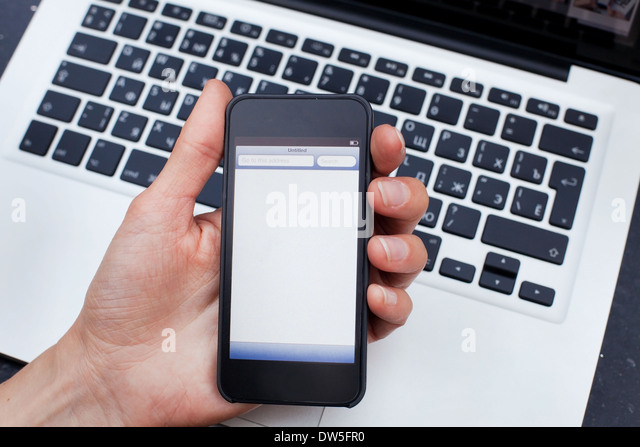 internet on smartphone - Stock-Bilder