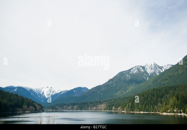 Mountains and lake, Vancouver, British Columbia, Canada - Stock Image