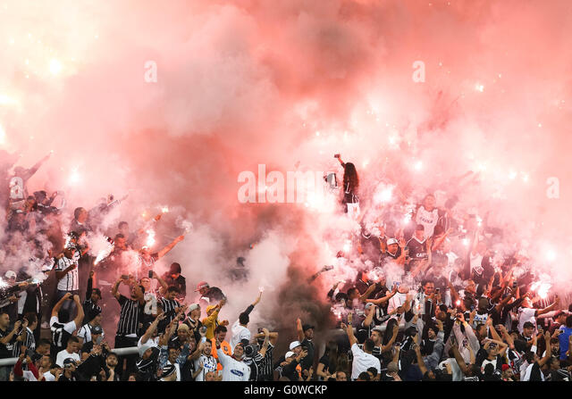 Sao Paulo, Brazil. 4th May, 2016. Corinthians Fans light flares minutes before the match between Corinthians x National - Stock Image