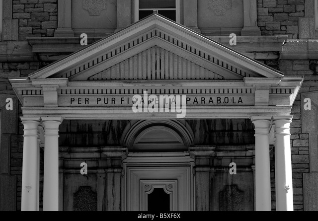 Strong architecture of old building. - Stock-Bilder