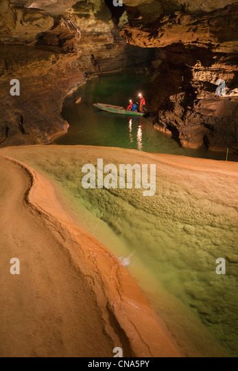 France, Lot, Padirac, Padirac chasm, the late ame nagemenst tourist, departure of a speleological expedition in - Stock Image