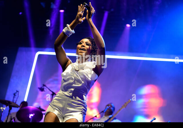 Chic Band Stock Photos Amp Chic Band Stock Images Alamy