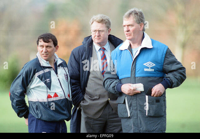 England Football Team, 17th February 1992. Photocall - Graham Taylor England Manager, Graham Kelly Chief Executive - Stock Image