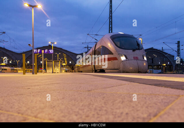 Deutsche Bahn: ICE-Train Station Leipzig - Stock-Bilder