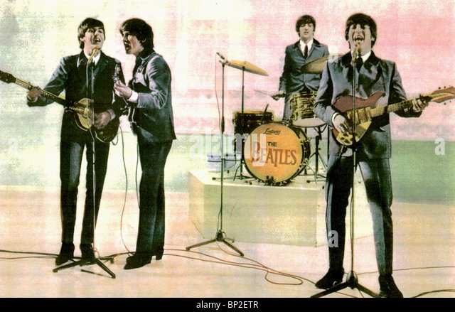 PAUL MCCARTNEY GEORGE HARRISON RINGO STARR & JOHN LENNON A HARD DAY'S NIGHT BEATLES (1964) - Stock-Bilder