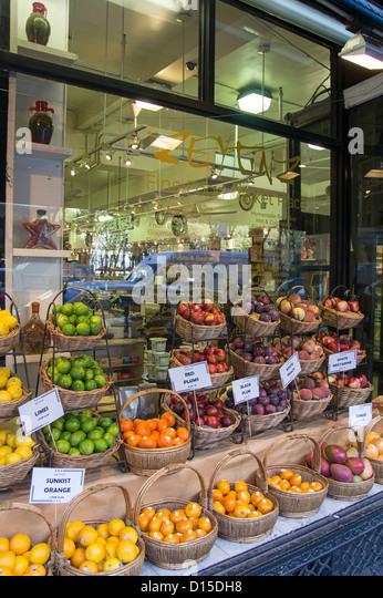 Zeytinz Fine Food Market next to Bryant Park, Midtown Manhattan, New York City, - Stock Image
