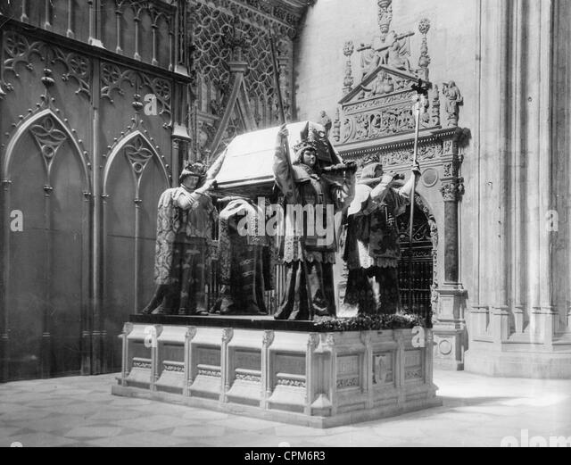 Tomb of Christopher Columbus in the cathedral of Seville, 1929 - Stock-Bilder