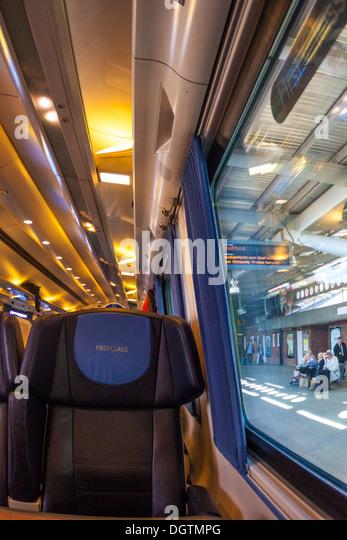 First Class rail travel - Stock-Bilder