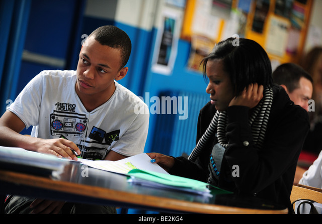 Students revise at sixth form further education college - Stock Image