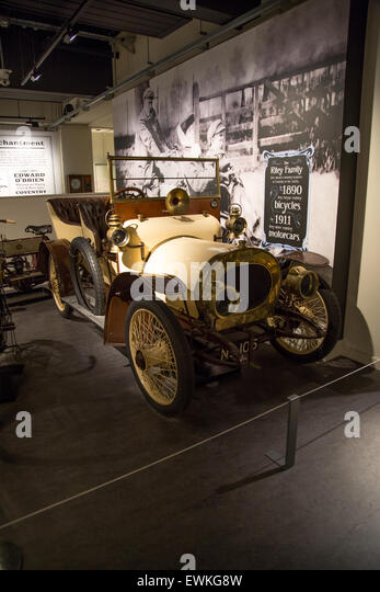 Vintage classic car museum stock photos vintage classic for Andalusia ford motor company