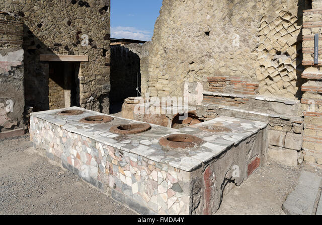 herculaneum catholic singles Hsie-kingsgrove search 'high numbers of tourists concentrated in a single place the very features that make the little town of herculaneum such a.