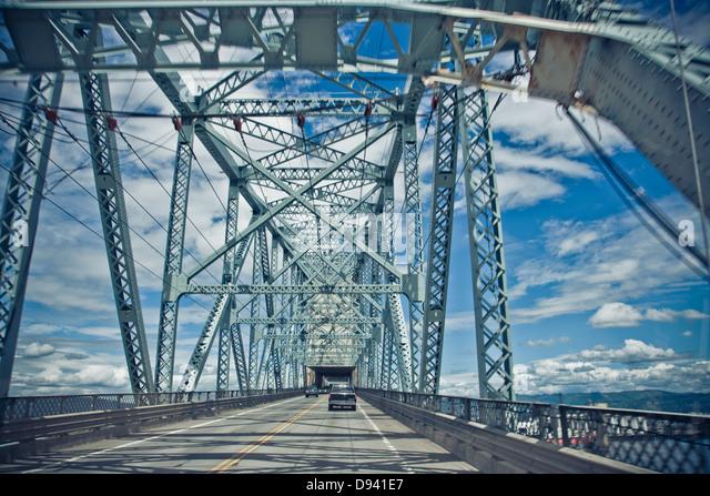 details of metal structured bridges in Portland - Stock-Bilder
