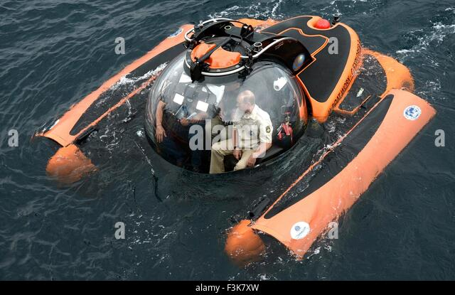 Russian President Vladimir Putin aboard a bathyscaphe underwater mini-submarine as it plunges into the Black sea - Stock Image