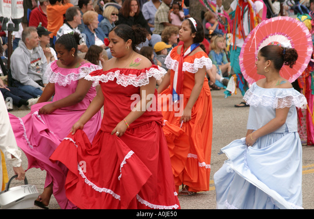 Cleveland Ohio University Circle Parade the Circle costumes masks Mexican Hispanic teen females dresses - Stock Image