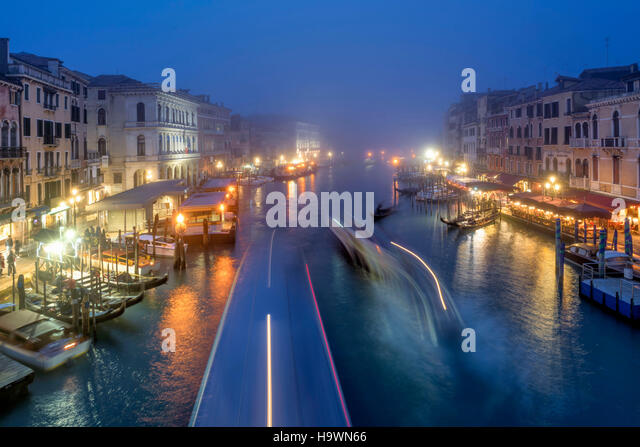 View from Rialto bridge to Canal Garnde at dusk, fog, gondola,  Venedig, Venezia, Venice, Italia, Europe, - Stock Image