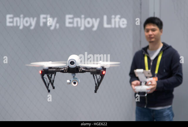 Las Vegas, US. 06th Jan, 2017. A remote-controlled drone is being operated at the CES technology trade fair in Las - Stock-Bilder