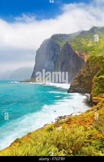Cliff coastline near Ponta Delgada, Madeira Island, Portugal - Stock-Bilder