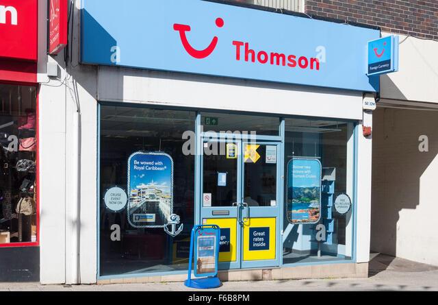 Thomson Holidays travel agents, Union Street, Aldershot, Hampshire, England, United Kingdom - Stock-Bilder