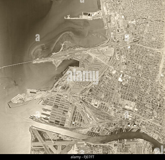 historical aerial photograph Oakland, California, 1968 - Stock Image