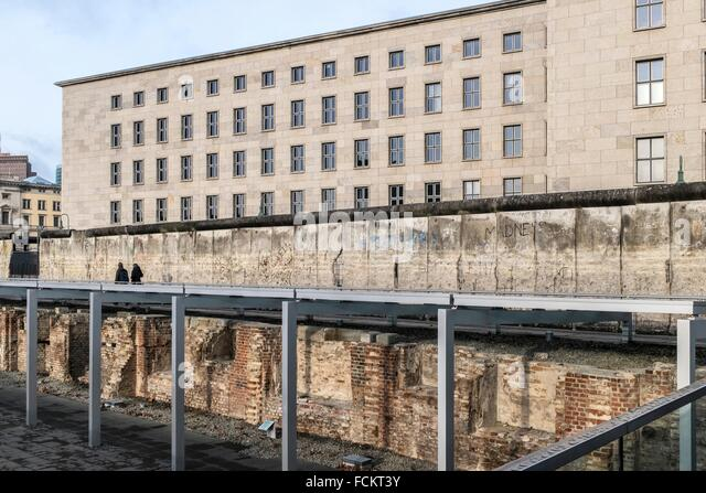 an analysis of the federal republic of germany building a wall of the berliner mauer The gedenkstätte berliner mauer (berlin wall memorial) the monument was created in 1998 by the federal republic of germany and the the building includes a.
