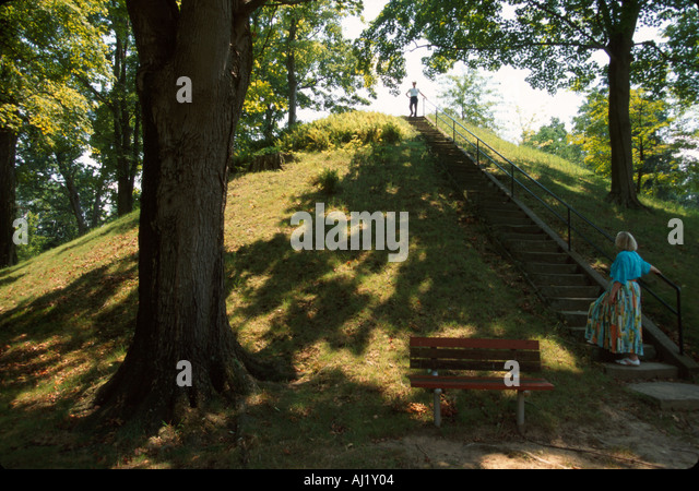 Ohio Marietta Mound Cemetery burial site of Hopewell Indian chief AD ft high ft circumference - Stock Image