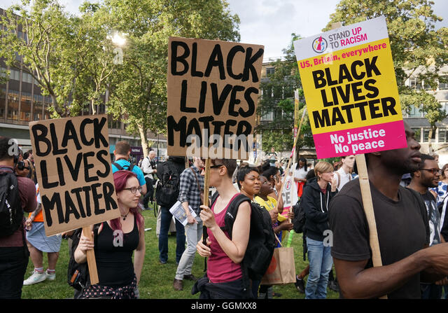 London, England, UK. 5th Aug, 2016. Hundreds from the black community and supporters protest Black Lives Matter - Stock-Bilder