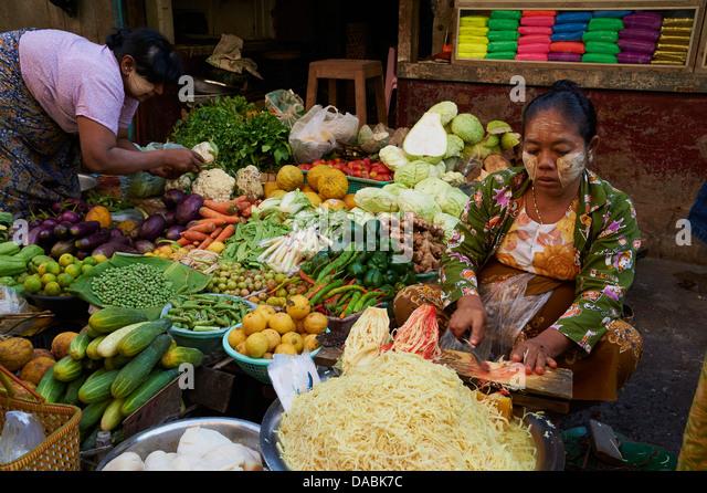 Vegetable market, Bogyoke Aung San market, Yangon (Rangoon), Myanmar (Burma), Asia - Stock-Bilder
