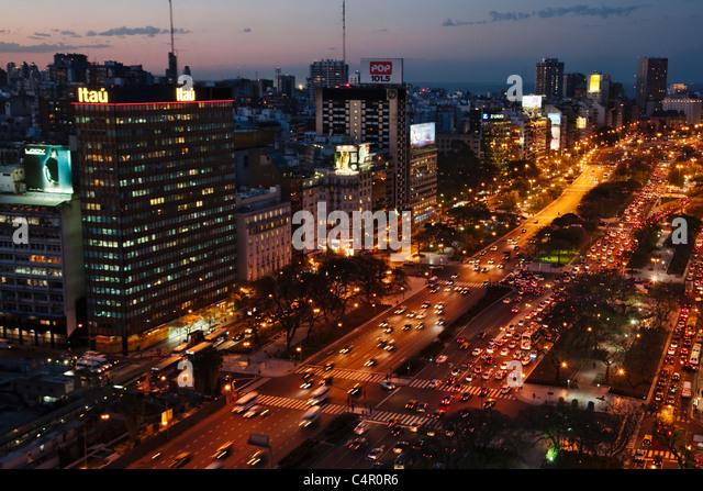 Aerial view of Avenue 9 de Julio at night, Buenos Aires, Argentina - Stock Image