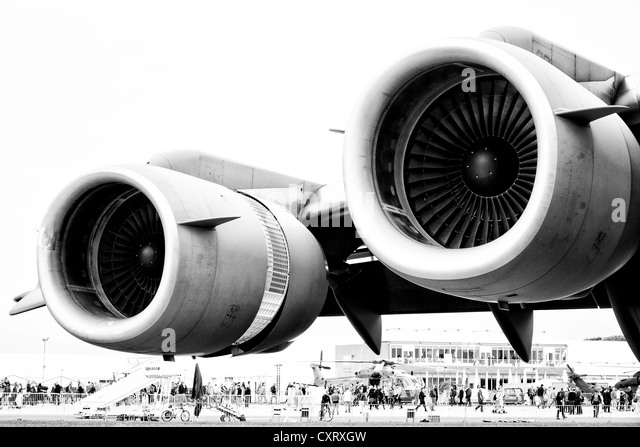 Engines Boeing C-17 Globemaster (black and white) - Stock Image