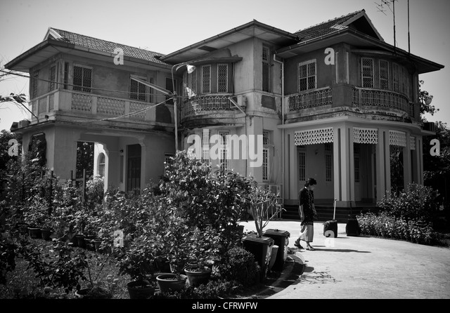 Aung San Suu Kyi's home at 54 University Avenue where she has spent more than 15 years under house arrest - Stock-Bilder